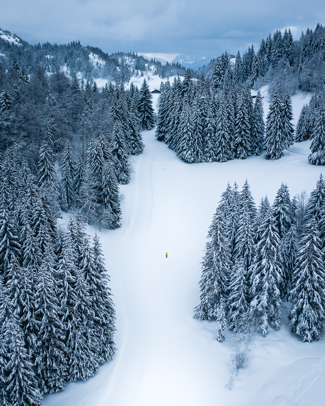 4 easy tips to take better drone photos in the snow and not freeze your fingers off